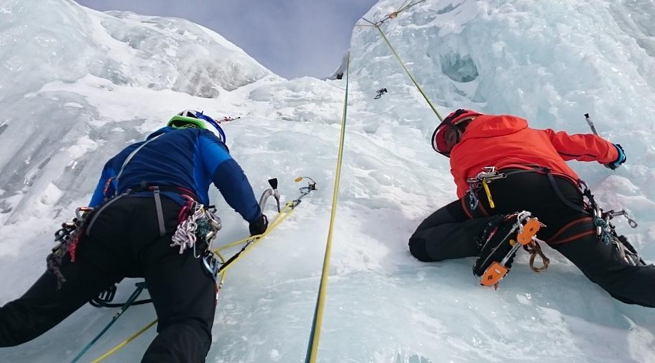 ice-climbers-1247610_1280